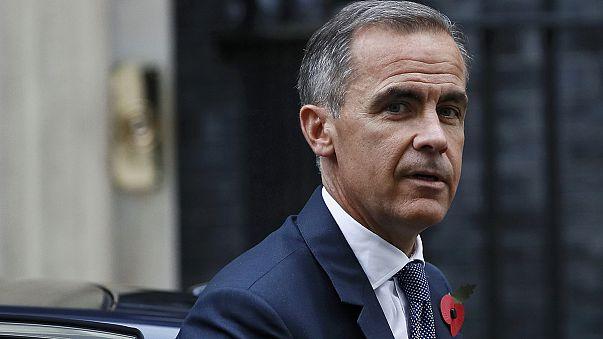 PM britânica defende continuidade de Mark Carney fica no Banco de Inglaterra até meados de 2019