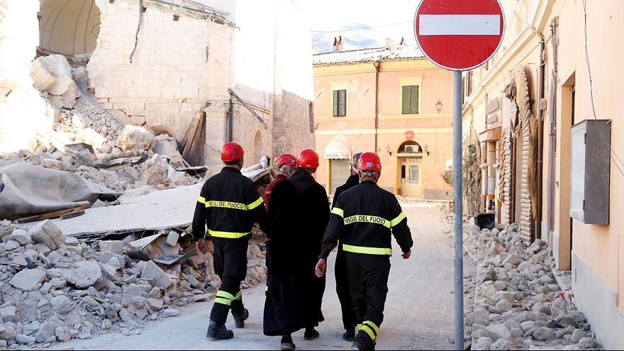 Más de 15.000 evacuados por el terremoto del domingo en Italia