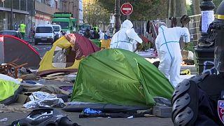 عملیات پلیس برای تخلیه محل تجمع مهاجران در پاریس