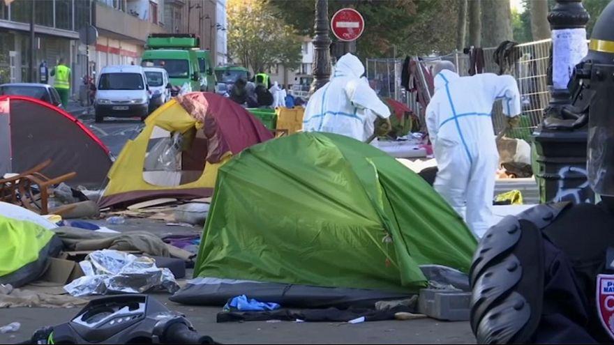 Párizs is küzd a sátrat verő menekültekkel