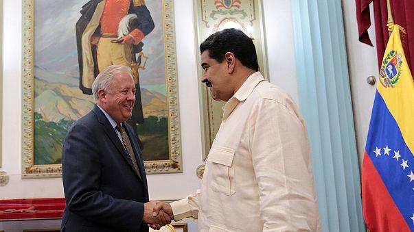 Venezuelan president appears ready for talks on crisis