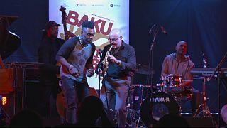 Festival de Jazz de Bacu: artistas locais internacionais e jovens talentos sobem ao palco na capital do Azerbaijão