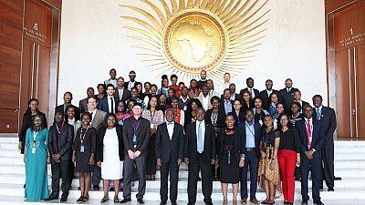 """400 millions de jeunes célèbrent la """"journée de la jeunesse africaine"""""""