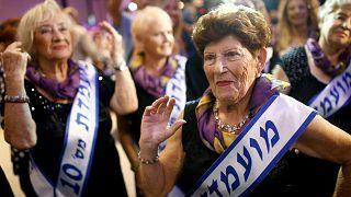 Holocaust survivors strut their stuff at beauty pageant
