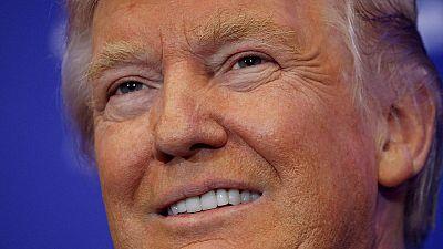 Donald Trump passe devant Hillary Clinton à une semaine de la présidentielle américaine