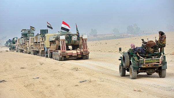 Varados en mitad del desierto en la frontera entre Siria e Irak