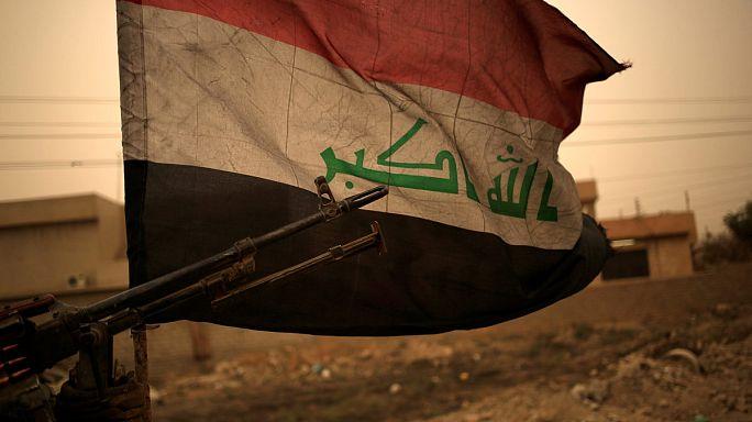 Moszulban a kormányerők - a dzsihadisták pajzsként használják a civileket