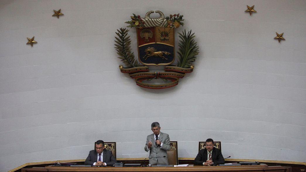 """Венесуэла: Мадуро провозгласил """"мир и любовь"""" с оппозицией"""