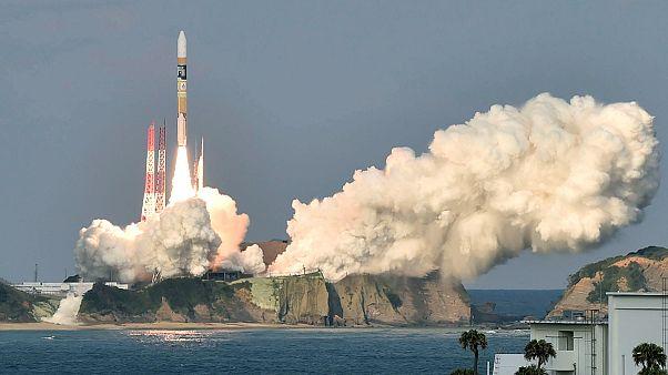 Giappone lancia nello spazio un razzo decorato con manga