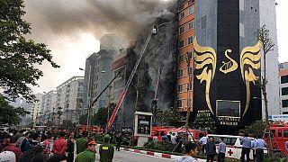 Al menos 13 muertos en el incendio de un karaoke de Vietnam