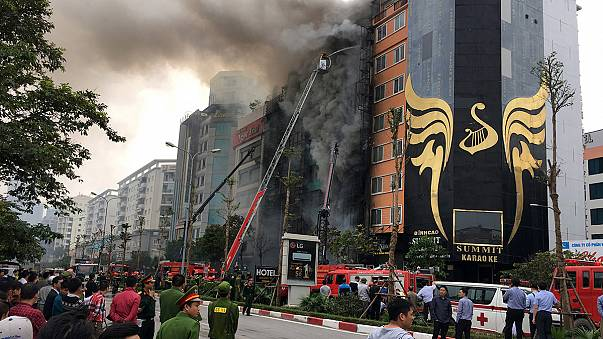 Vietnam: incendio in bar karaoke di Hanoi, almeno 13 morti