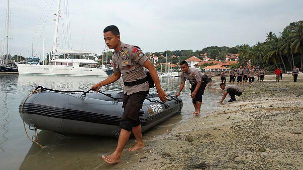 أندونيسيا ثمانية عشر قتيلا وعشرات المفقودين في غرق سفينة للركاب