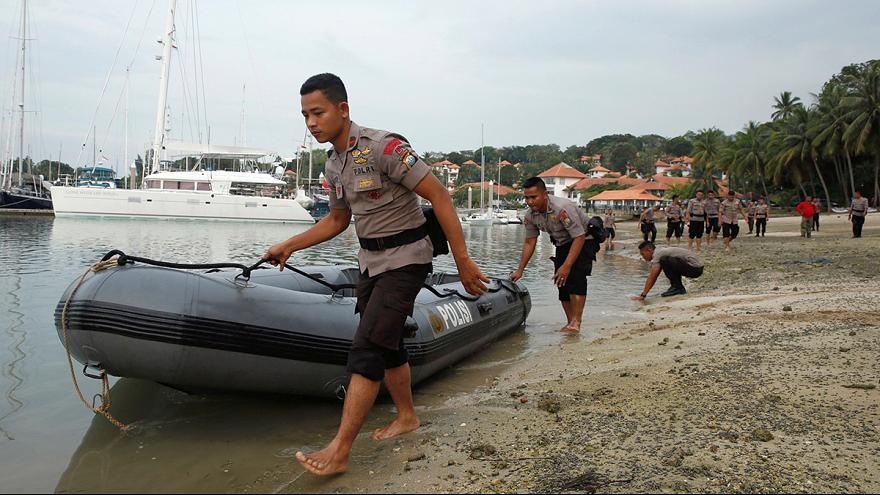 Boat sinks carrying Indonesian migrant workers home from Malaysia
