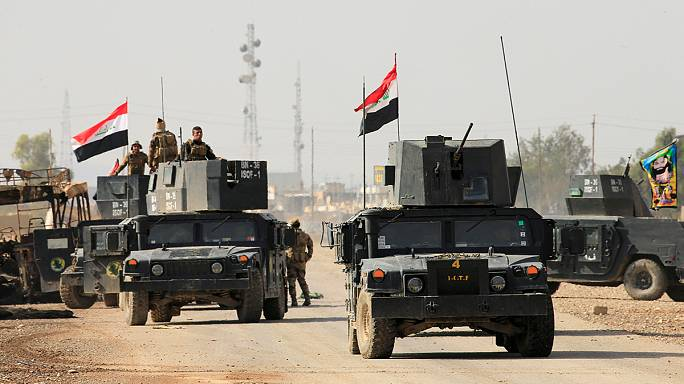 Mosul battle: Iraqi forces hold positions on eastern outskirts
