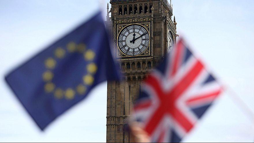 Breves de Bruxelas: Brexit, Calais e aproximação russa em destaque