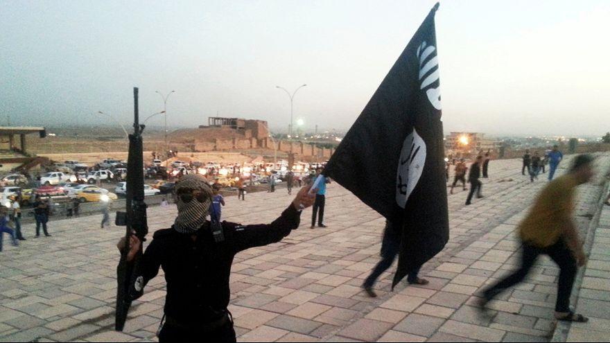 """Irak : le chef du groupe EI appelle ses troupes à """"tenir"""" Mossoul"""