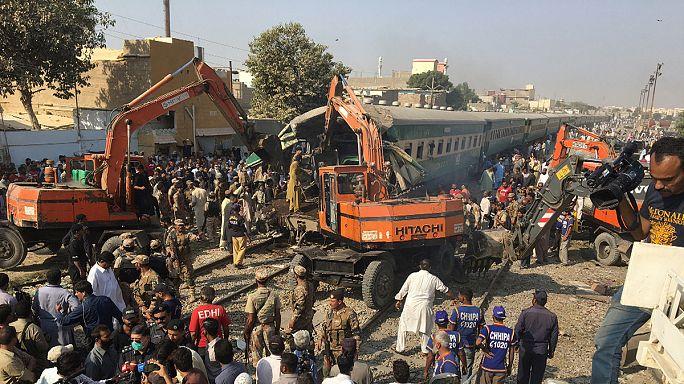 Pakistan : au moins 17 morts après la collision entre deux trains