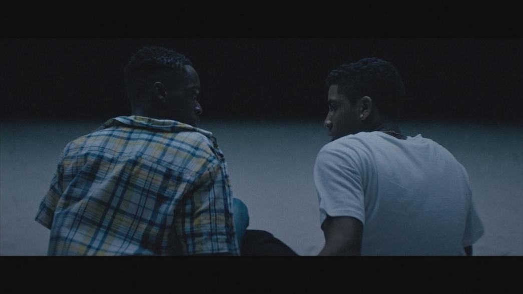 """""""Moonlight"""": o percurso de um jovem afro-americano homossexual na corrida aos Óscares"""