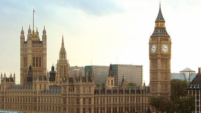 A brexitet a parlament nélkül nem indíthatja el Theresa May
