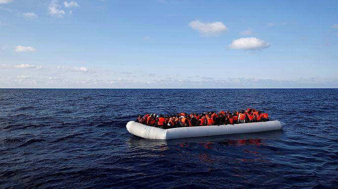 Mediterrâneo: 239 migrantes morrem afogados em dois naufrágios