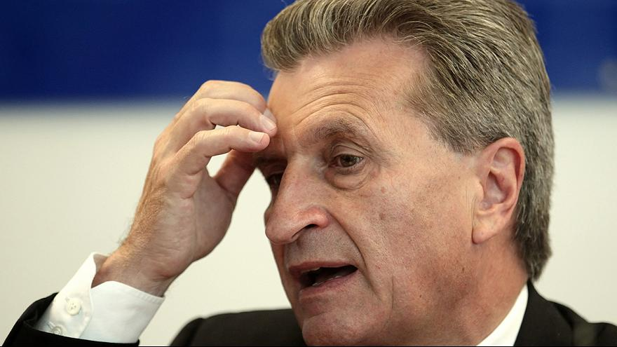 El comisario europeo Oettinger pide perdón por sus comentarios racistas
