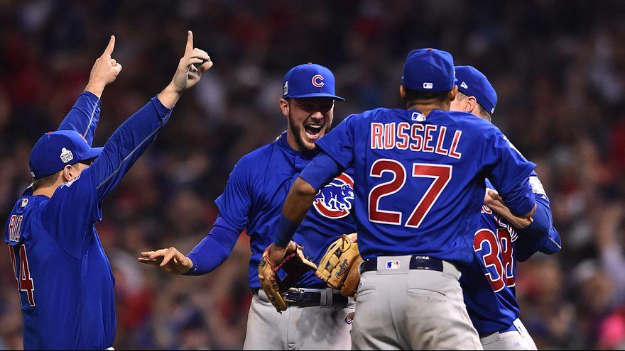 Baseball: Cubs campioni dopo 108 anni, battuti gli Indians in gara 7 delle World Series