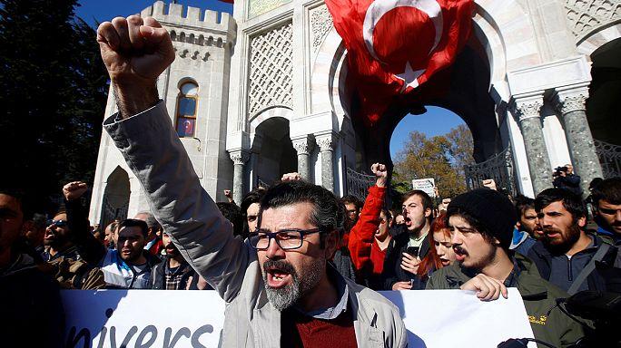 Turquia: a purga continua