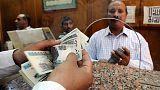 Egipto deja flotar a su moneda para contrarrestar el 'mercado negro'