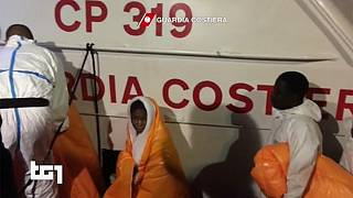 دستکم ۲۴۰ قربانی در اثر غرق شدن دو قایق مهاجران در دریای مدیترانه
