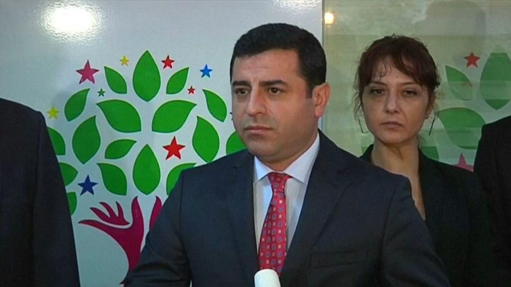HDP'li vekillere operasyon: Demirtaş ve Yüksekdağ gözaltında