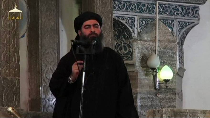 ISIL leader 'may be losing control' in Mosul, US claims