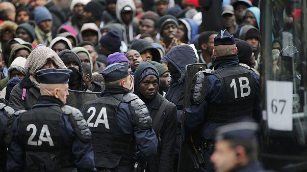 Evacuado el mayor campamento de migrantes de París