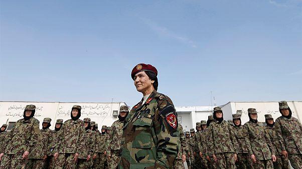 زنان در ارتش افغانستان چه میکنند؟