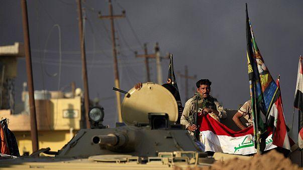 القوات العراقية تتقدم في الموصل والطائرات الأميركية تمهد للاقتحام