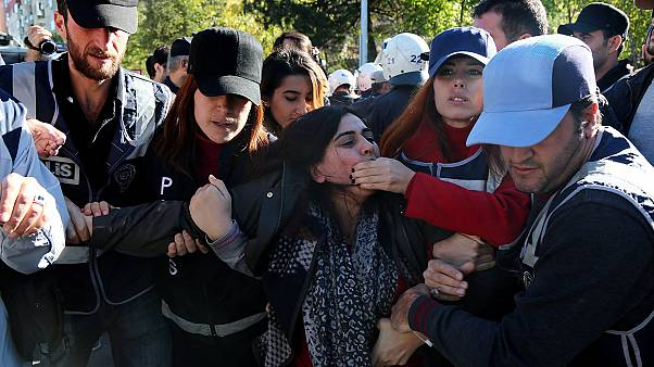 Angry protests in Turkey and beyond after arrest of pro-Kurdish HDP politicians