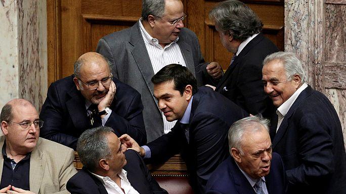 تسيبراس يجري تعديلاً حكومياً تمهيداً لمفاوضات مع الدائنين الدوليين