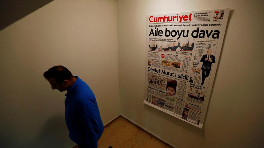 Turkey orders formal arrest of Cumhuriyet executives and journalists