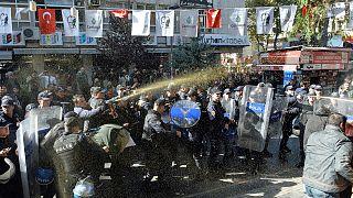 HDP'li milletvekillerine destek yürüyüşüne polis müdahalesi