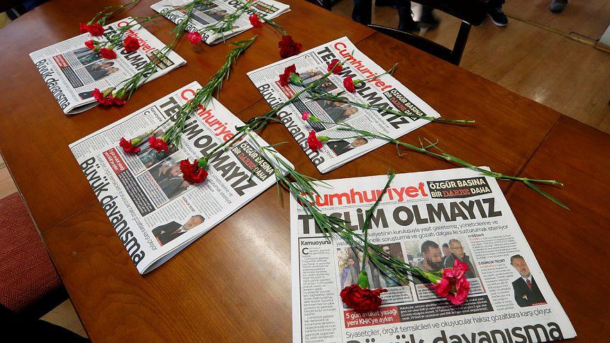 Turchia, portati in carceri di massima sicurezza i leaders dell'HDP. Scure su Cumhurieyet: arrestato il direttore