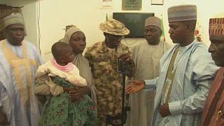 Nigerianische Armee entdeckt entführtes Mädchen mit Baby