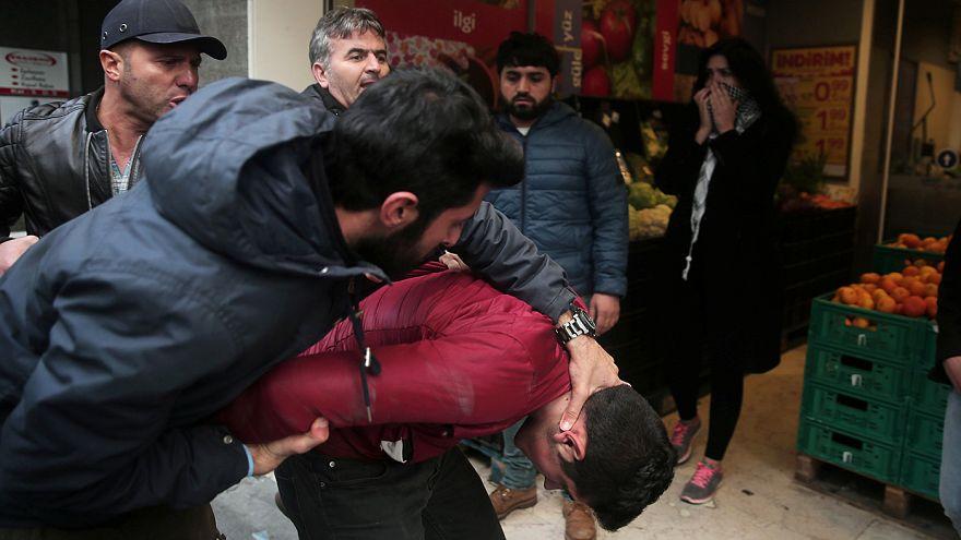 Turquia: Manifestações contra detenção de jornalistas em Istambul
