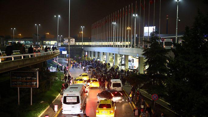Motorosokra lőttek a rendőrök az isztambuli reptéren