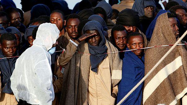 Поток мигрантов из Ливии в Италию не ослабевает
