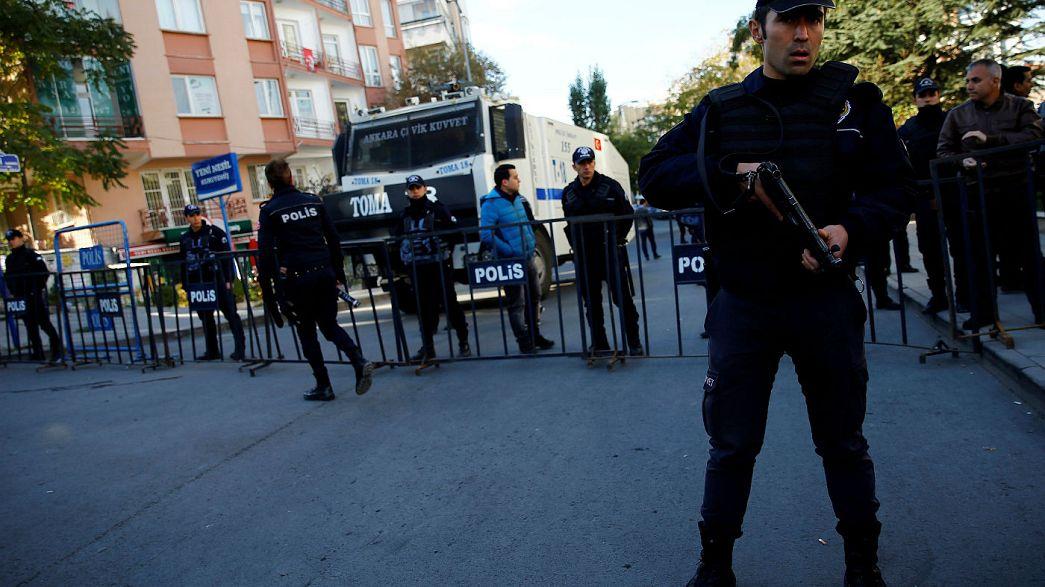 Турция: депутаты от прокурдской партии будут бойкотировать заседания парламента