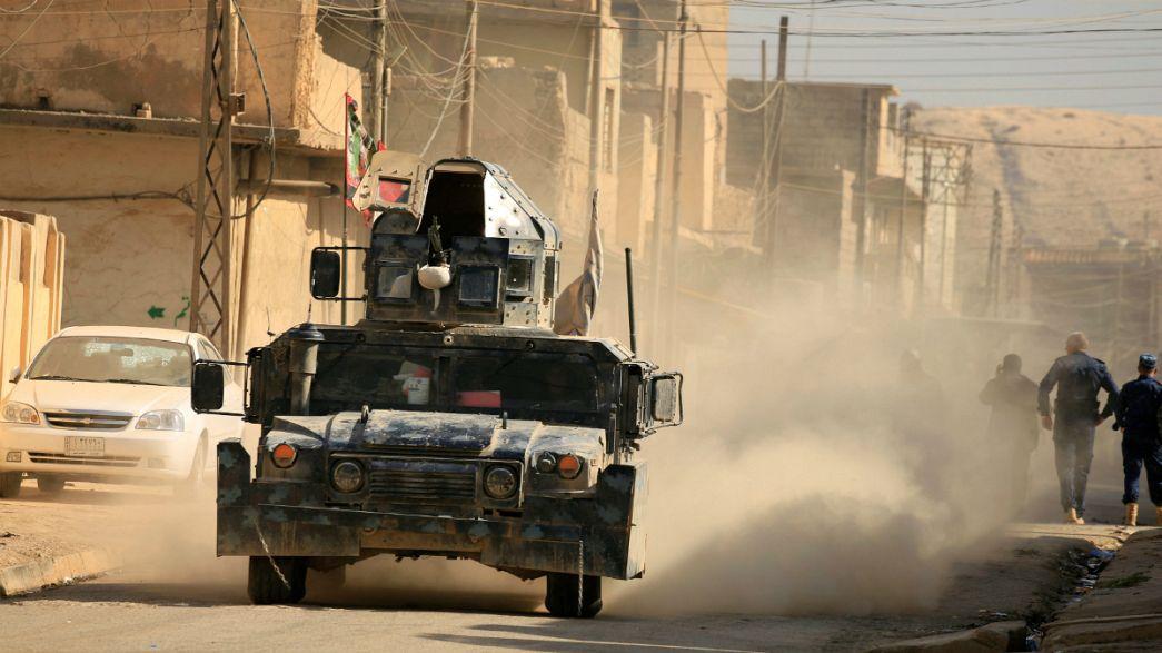 القوات العراقية تستعيد حمام العليل وتتقدم باتجاه الموصل