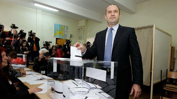Presidenciais da Bulgária: Candidato pró-Rússia vence primeira volta