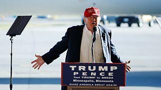 """Trump responde al FBI que no es posible """"revisar 650.000 correos en 8 días"""""""