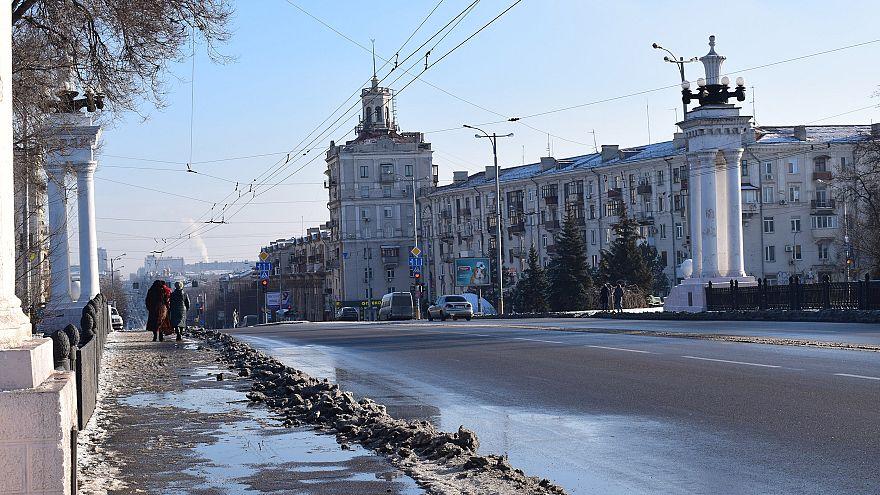 Image: Residents walk along Prospect Soborniy, Zaporizhzhia's main street,