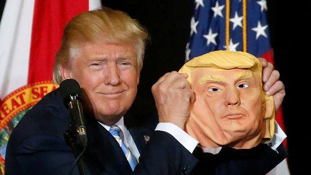 Caganers y burritos con las caras de Clinton y Trump