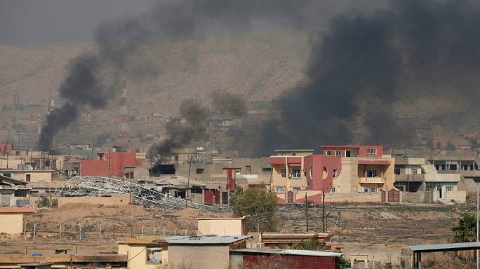 Los peshmergas kurdos toman Bashiqa